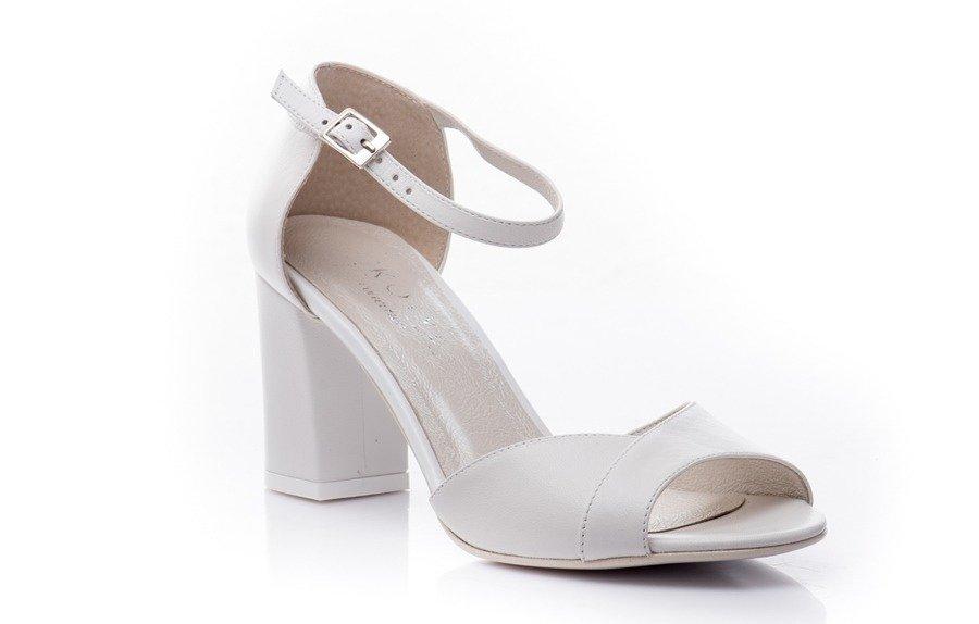 Wygodne buty ślubne — sprawdź najpopularniejsze modele