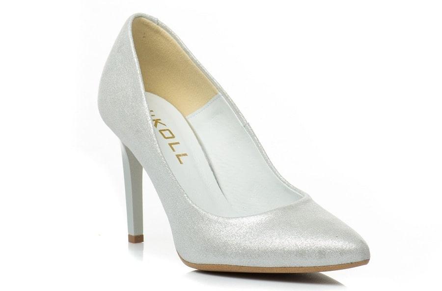 86cac35851747 Buty ślubne Kotyl również dostępne są w wielu opcjach, odpowiednich dla  Pań, które preferują przede wszystkim wygodę - są to głównie czółenka na  stabilnym ...